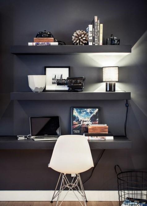 Ein stimmungsvoller Arbeitsbereich mit schwebenden Regalen und einem passenden Schreibtisch bilden eine coole und stilvolle Ecke