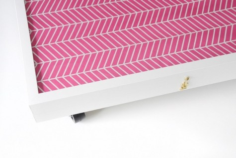 Eine Aufbewahrungsbox für Rollbetten aus zwei IKEA Ribba-Fotorahmen