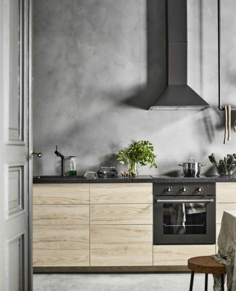 IKEA Askersund Küche mit einer ganzen Betonmauer, nicht nur einem Backsplash